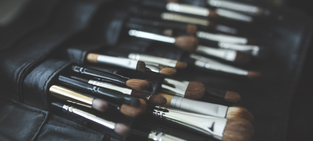 5 Tricks to Organizing Your Beauty Supplies